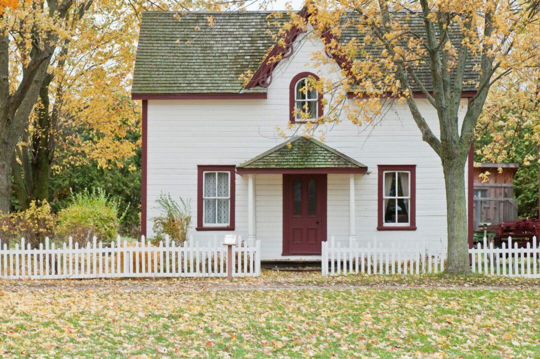 Hus i höstens tecken